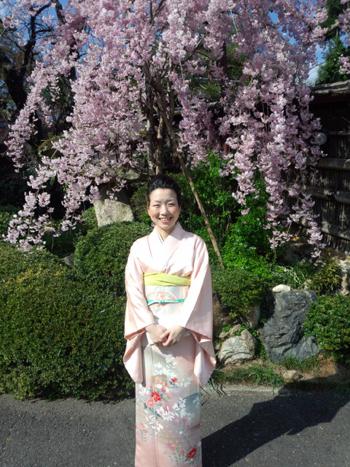 京都にて しだれ桜と お着物と